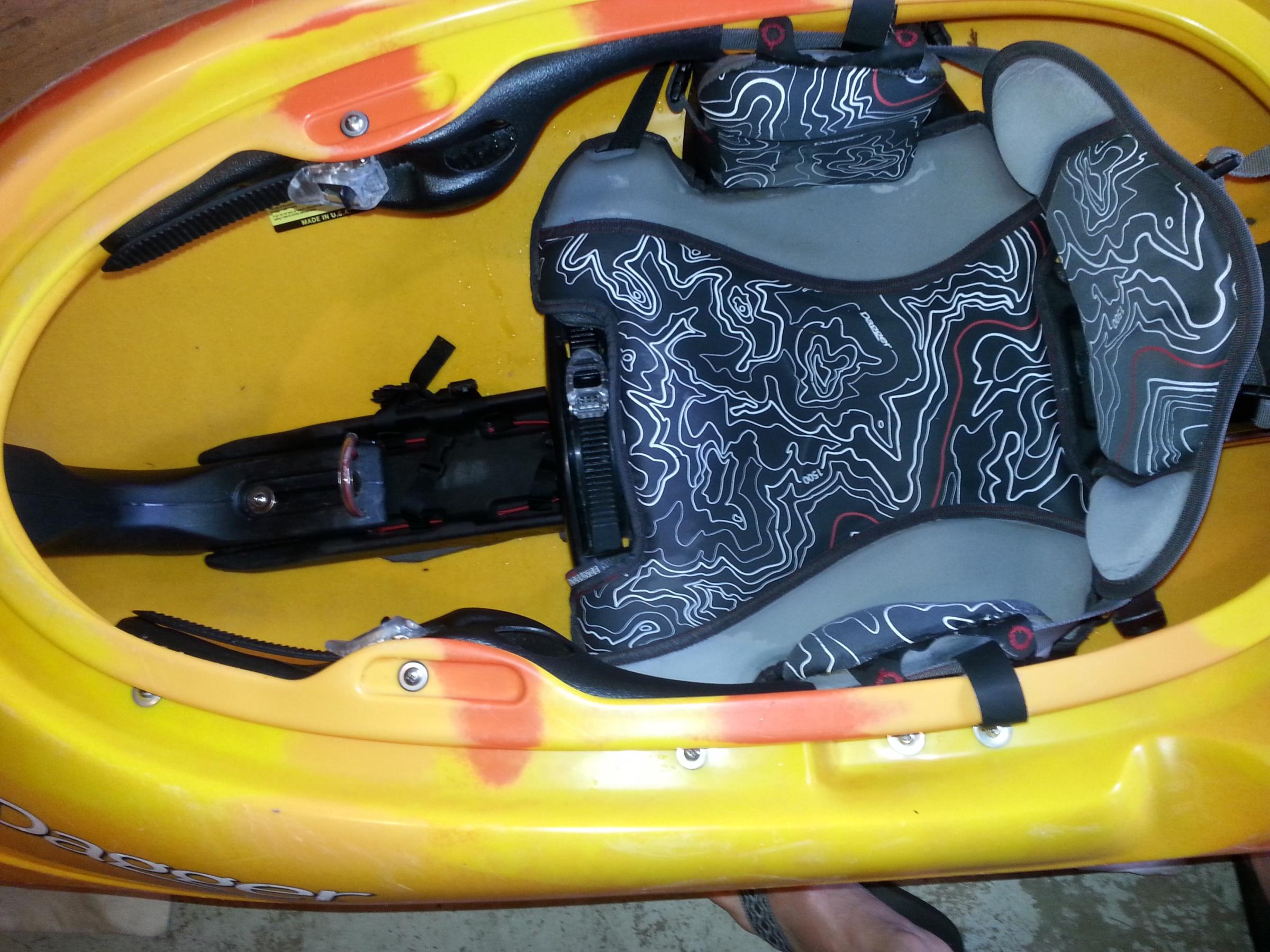 Dagger Seat Tray